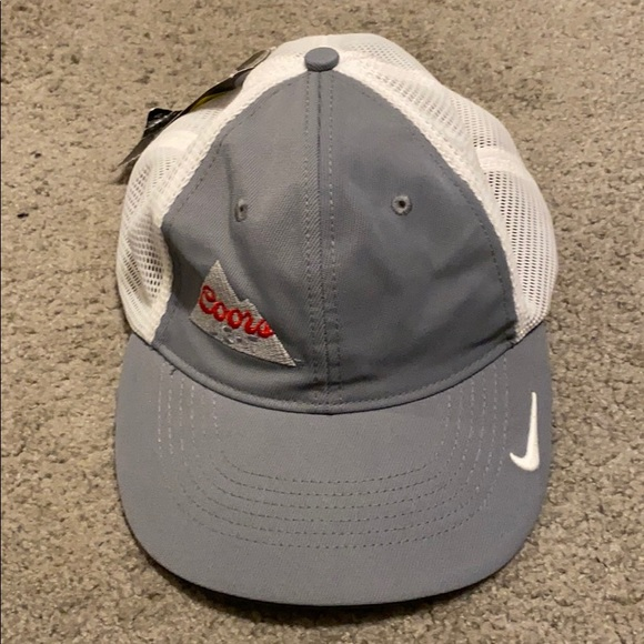 New Coors Light Nike Golf hat fitted size S/M